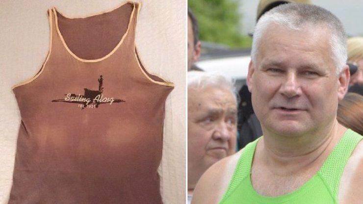 Jediná věc, která zůstala Jiřímu Kajínkovi za 23 let ve vězení? Mnohem starší tílko, než bylo to zelené
