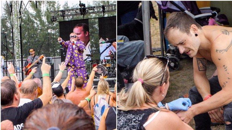 Drama na koncertě: Bubeníka musela odvézt sanitka přímo z pódia