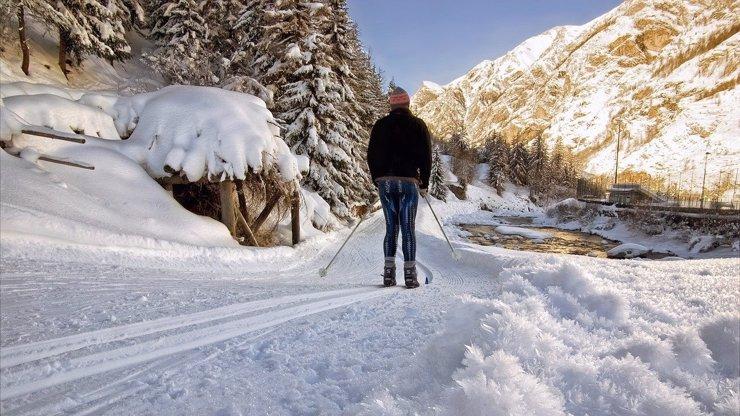 Zasněžený leden láká nazout běžky a vydat se na hory. Kde jsou ty nejlepší trasy?