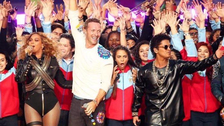 Takhle se dělá pořádná show! Beyoncé, Bruno Mars i Coldplay to rozjeli na Super Bowlu!