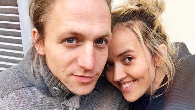 Objevila se zpráva, že Tomáš Klus zemřel při autonehodě: Tamara posílá ostrý vzkaz