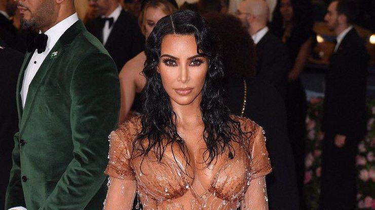 Radost ze čtvrtého miminka: Kim Kardashian má syna, rodila náhradní matka