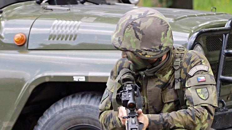 Při výcviku ve Vyškově vybuchl granát: Exploze zranila tři vojáky, jednoho z nich těžce