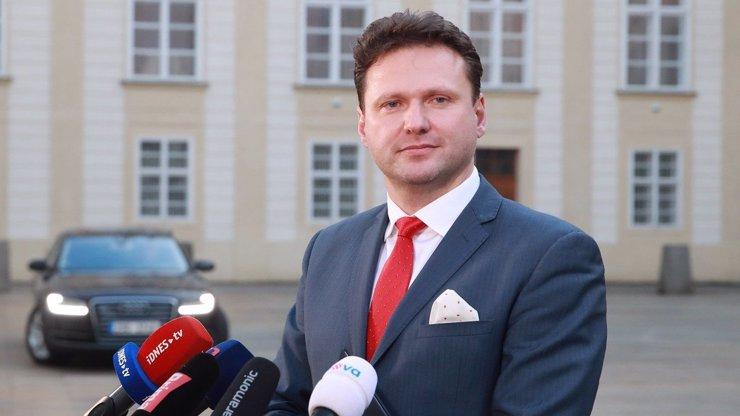 Nemocnice dává ruce pryč od Vondráčkových slov o stavu Zemana, Mynář obešel lékaře