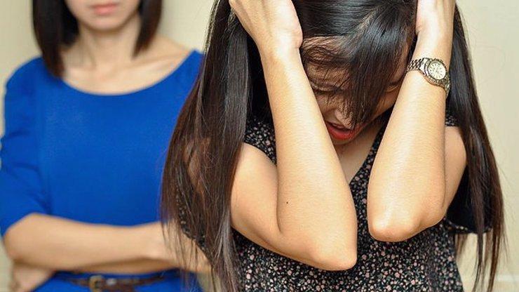 10 příšerných vět, ze kterých automaticky chytáme depresi a chce se nám zvracet