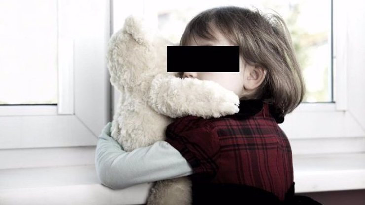Na holčičku (6) někdo sahal v pokojíčku pod peřinou. Když tam přišli rodiče, nevěřili vlastním očím!