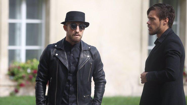 Fotbalista Lukáš Vácha se umí obléknout i na pohřeb! Na poslední rozloučení s funkcionářem Baťou přišel jako opravdový štramák