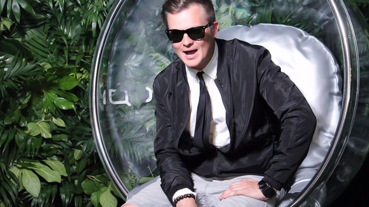 Kazma natočil NEJHORŠÍ DÍL One Man Show: Trapné řeči o výrobě fejkové nehody na Mareše