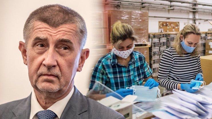 Pošťáci se bouří: Andrej Babiš nás zneužívá v předvolební agitaci s rouškami