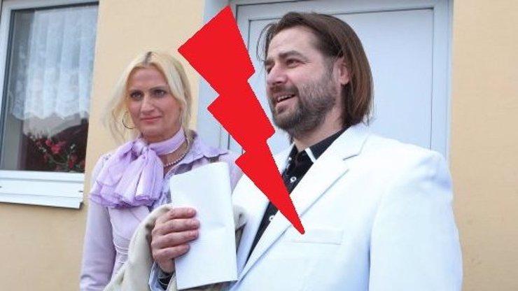 Macura potvrdil na Facebooku rozchod s týranou blondýnou Vlaďkou: Co všechno o své exmilence řekl?