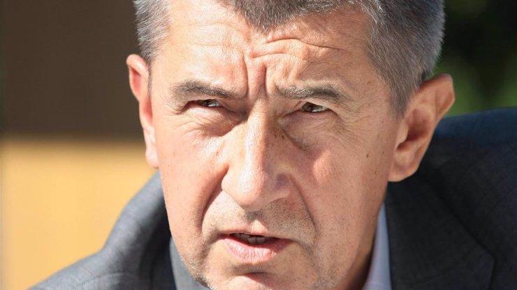 Babiš pozdravil fanoušky ze Dnů NATO: Řešil nákup letadel, rakovinu i covidovou situaci