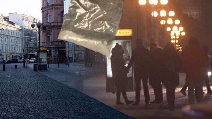 Nouzový stav vyhnal z pražských ulic i dealery: Víme, jak koronavirus zahýbal s cenou drog