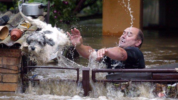 18 let od ničivých povodní v Česku: Voda tehdy vzala život 19 lidem a 134 zvířatům v zoo