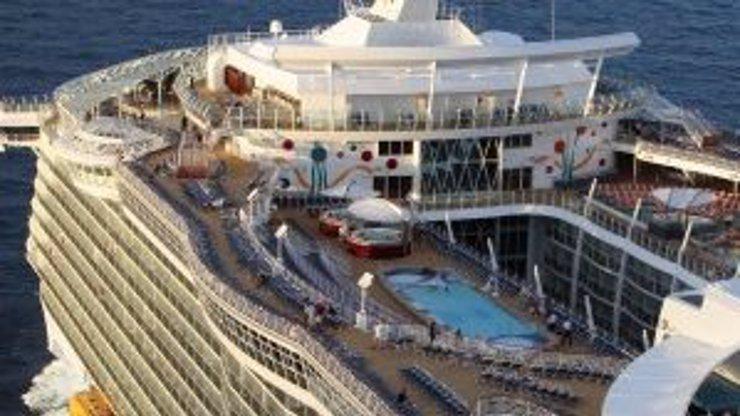 Redakce eXtra.cz na palubě mořského monstra! Kolik stojí unikátní výlet po Karibiku?