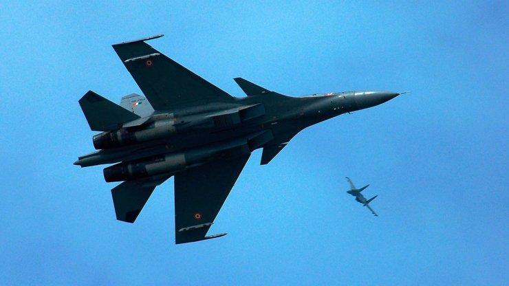 Další útok separatistů: Sestřelili dvě ukrajinské stíhačky v místě pádu malajsijského letu MH17!