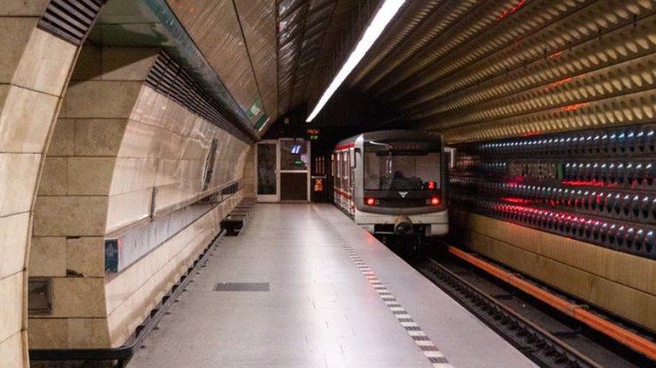 Stanice metra A Jiřího z Poděbrad bude rok zavřená: Co všechno v ní předělají
