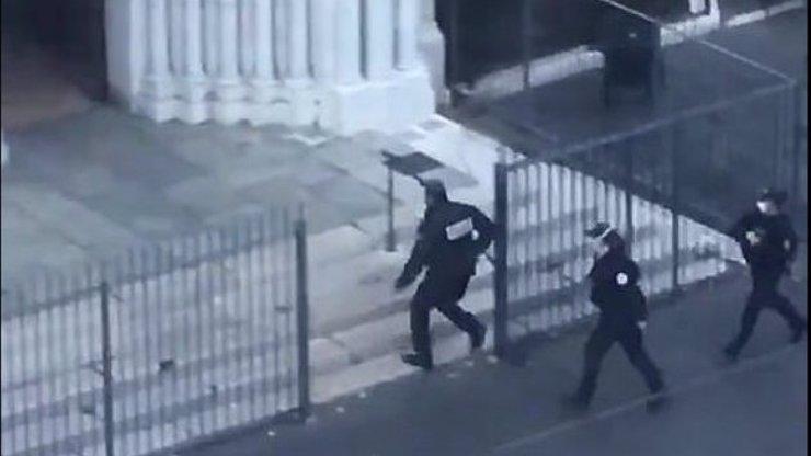 Děsivé pozadí teroristického útoku ve Francii: Poslední slova mladé ženy před smrtí