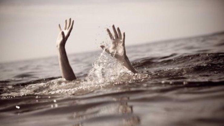 Dvojitá tragédie na jihu Čech: Dvě děti se utopily, jedno v jezírku, druhé v rybníce