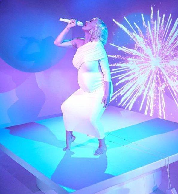 Katy Perry ukázala poporodní realitu: Pár dní po narození dcery se vystavila ve spodním prádle
