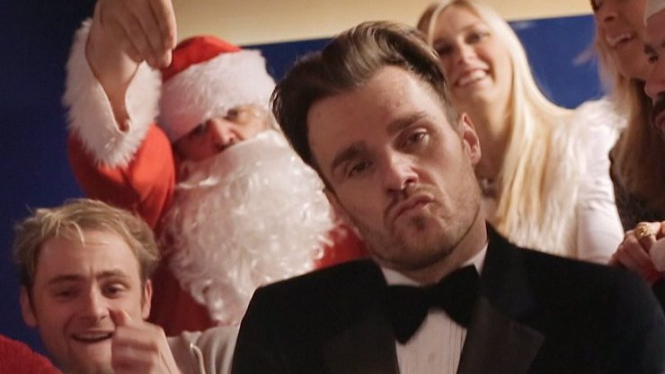 Vánoční klip Evropy 2 zabil! Slepý Mareš, pošahaný Kohák, vařící Hruška, opravdový Guetta, a až uvidíte, kdo si zatwerkoval...