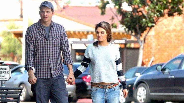 Ashton Kutcher a Mila Kunis šokují: Děti myjeme, jen když jsou viditelně špinavé