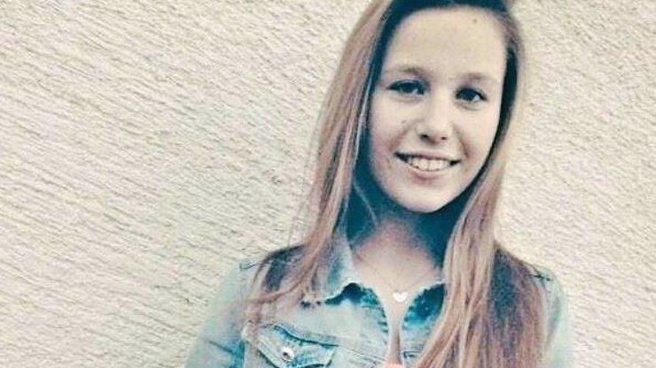 Za její smrt mohou kamarádky! Babička vysvětluje, proč si Dominika (14) vzala život