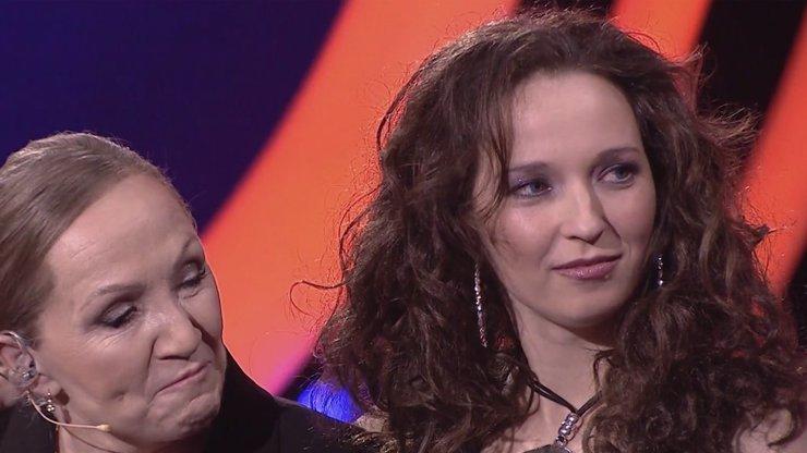 """Hvězdné výkony ve Tváři: Kohoutová dojala Basikovou, rapper Rychlý to rozjel se """"zlatokopkou"""" Agátou"""