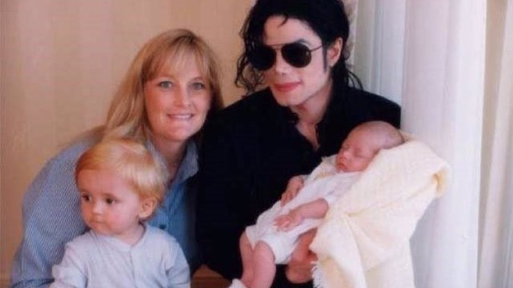 Michael Jackson se o děti staral naplno: Já jsem matkou být nechtěla, říká Debbie Rowe
