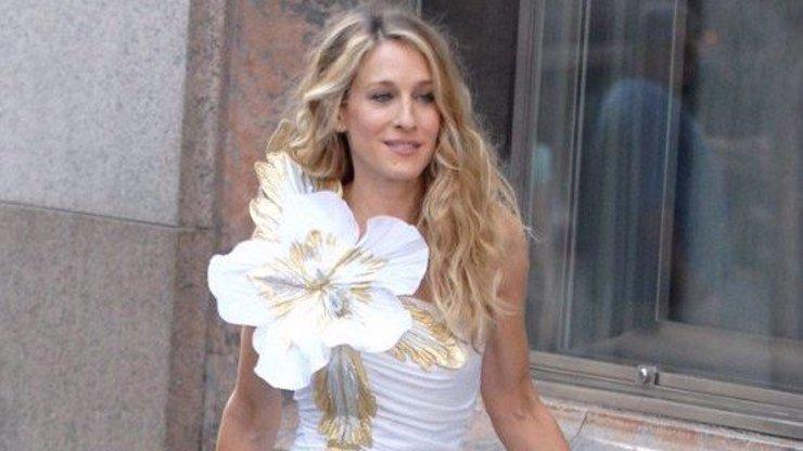 Sarah Jessica Parker slaví 55. narozeniny: Do role Carrie v Sexu ve městě by se už nevrátila