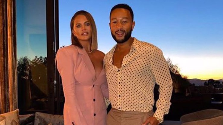 Miminko na cestě: Chrissy Teigen a John Legend budou trojnásobnými rodiči
