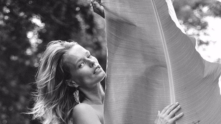 Helena Houdová (41) se zvěčnila nahá: Smutný pohled do kamery doplnila zvláštním vzkazem