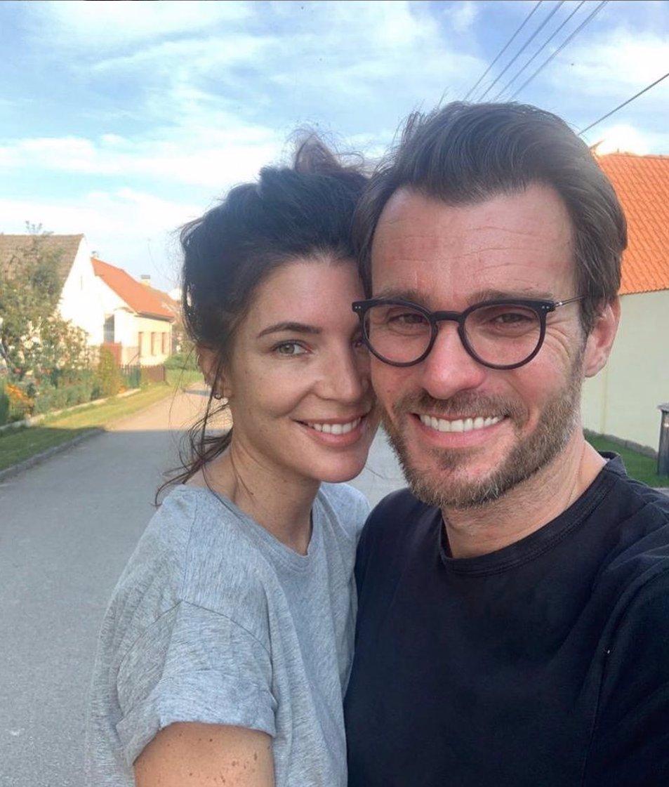 Tají Monika a Leoš Marešovi těhotenství? Fanoušci jsou přesvědčeni, že miminko je na cestě