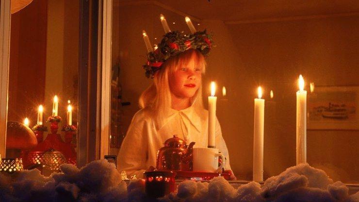 Svatá Lucie noci upije a dne nepřidá: Legenda vypráví o tom, jak si Lucie vydloubne oči a rozpárá dětem břicho!