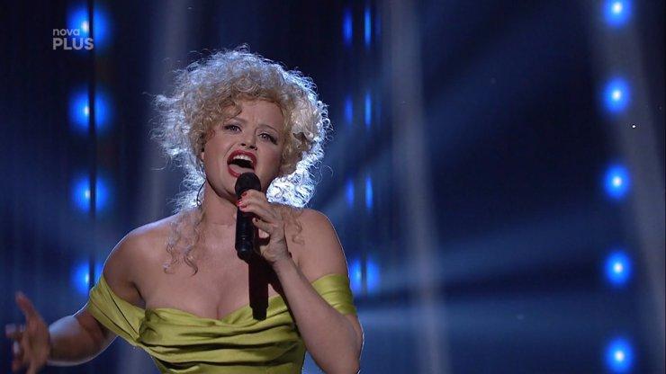 Tvoje tvář má známý hlas: Vítězka Erika Stárková svým vystoupením dojala Sokola i Basikovou