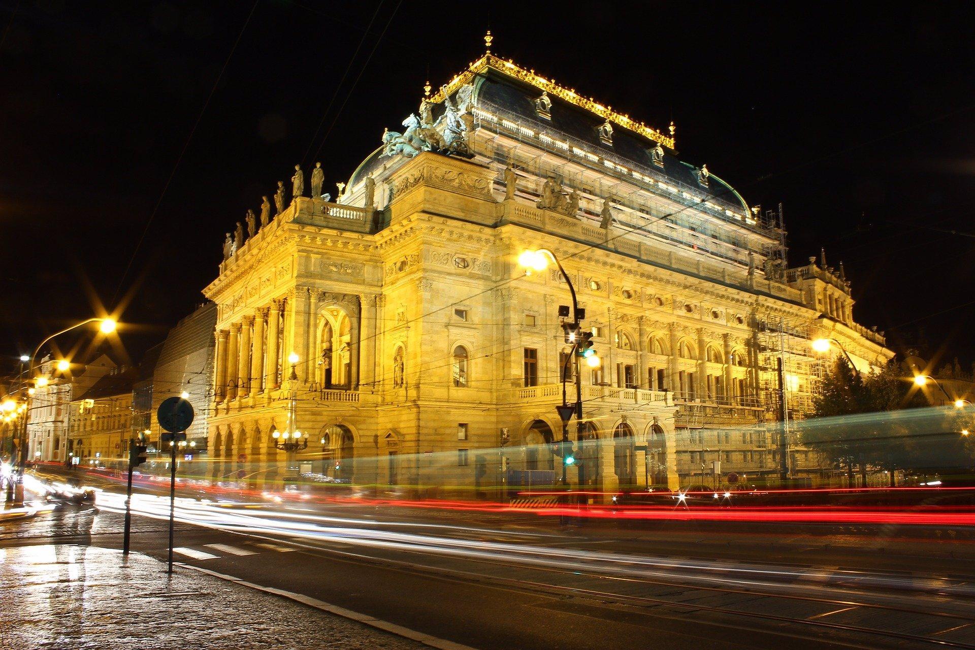Rodina odmítla ponižovat Miloše Nesvadbu v Národním divadle. Kde nakonec bude pohřeb?