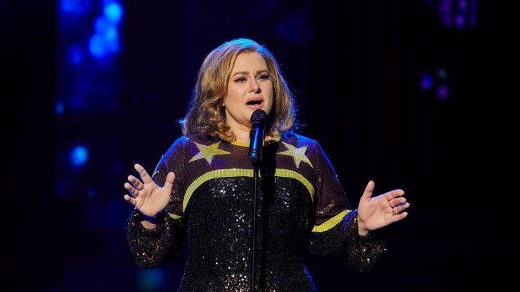 Rozpačitý díl Tvoje tvář má známý hlas zachránila Čvančarová jako Adele: Kalousová v roli Nedvěda pohořela