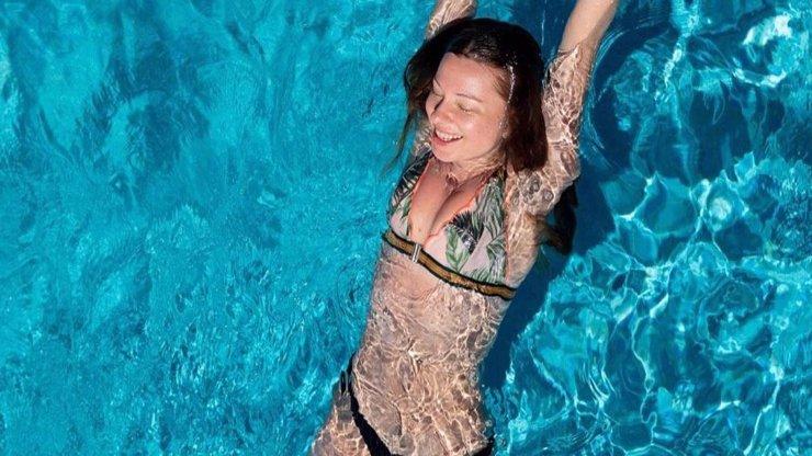 Inna Puhajková vystavila postavičku: Po rozchodu si užívá na Kostarice, dovolenou tráví s Kazmou