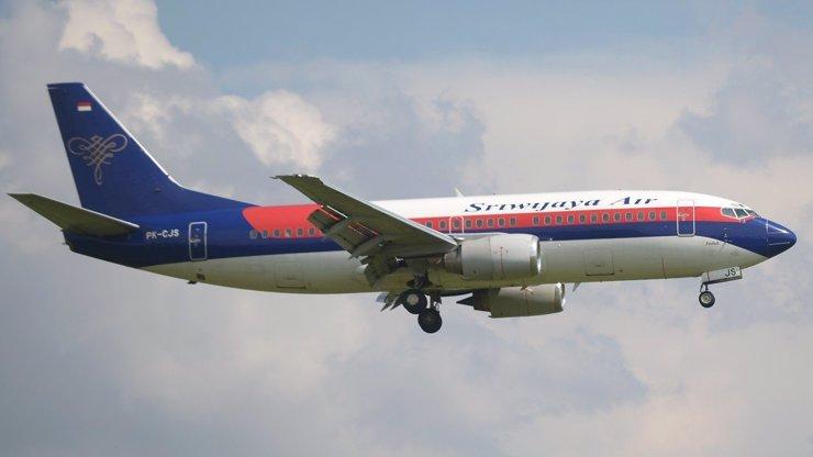 Strašlivá letecká havárie: Boeing s více než 60 lidmi spadl do moře, na palubě byly i děti