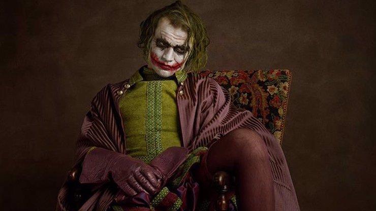 Fotograf navlékl slavné hrdiny filmového plátna do historických kostýmů. Výsledek stojí za to!