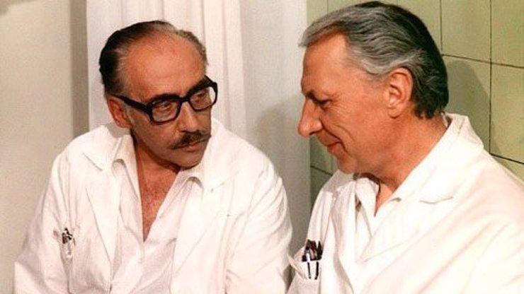 7 zajímavostí o Nemocnici na kraji města! Víte, kdo skutečně zabil doktora Sovu?