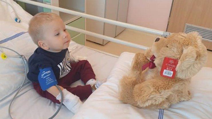 Velké štěstí: Nemocný Maxík konečně dostal zázračný lék, rodiče poslali dojemný vzkaz