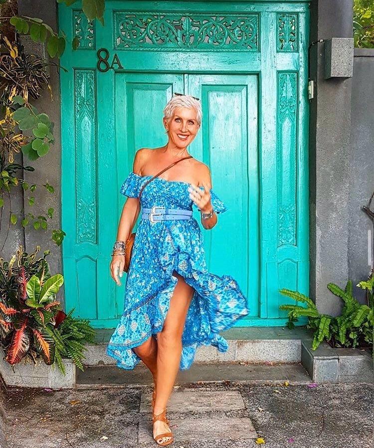 Věk je pouhé číslo: Britská modelka Sheila Kiss má 62 let! Postavu jí mohou ženy závidět