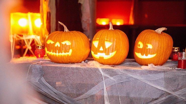 Užijte si letošní Halloween netradičně: Kupte si kostým, vyrazte s dětmi za zábavou a večer si střihněte pořádnou párty