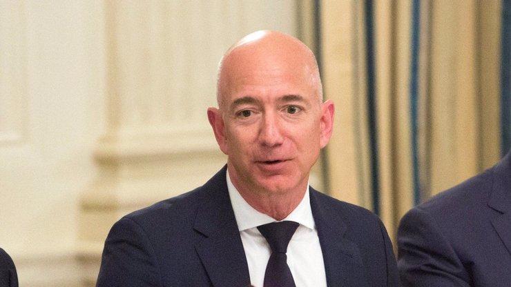 Mezi největší miliardáře světa se probojovalo 6 Čechů: Nejbohatším mužem planety je ale Jeff Bezos