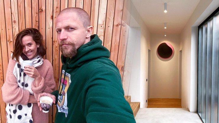 První snímky z nového domu snů: Tomáš a Tamara Klusovi ukázali, jak se zabydlují