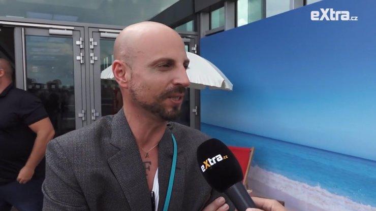 Módní stylista Filip Vaněk: Potřebuji už odjet na dovolenou a mobil musí dobře vypadat