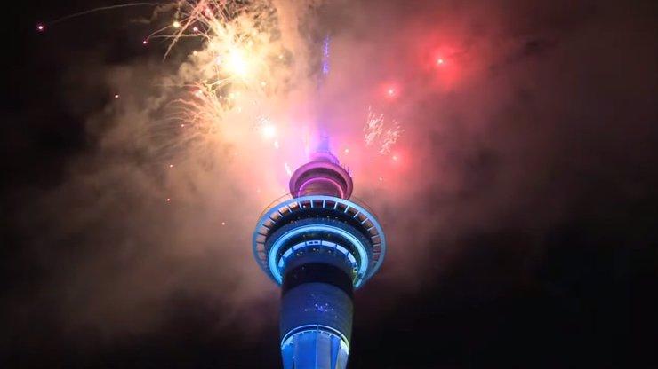 Oslavy roku 2021 ve světě: Nový rok přivítali lidé na Novém Zélandu nebo v Tichomoří