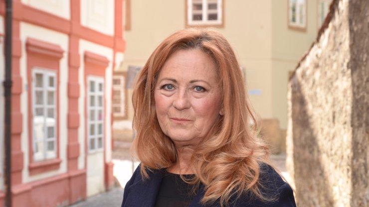 Populární herečka Simona Stašová slaví 66: Co jste o dceři Jiřiny Bohdalové asi nevěděli