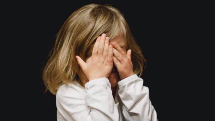 Tragédie na Slovensku: Řidič přehlédl a srazil dvouletou holčičku při couvání, na místě zemřela