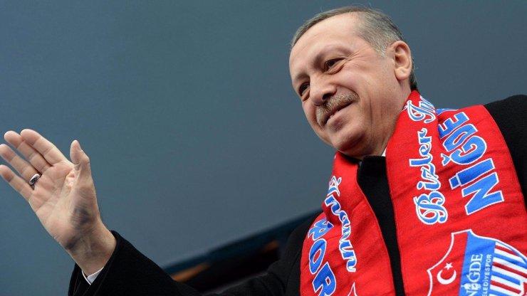 Turecký prezident Erdogan byl blízko smrti, nyní se bude mstít. Vzbouřence čeká mučení a možná i trest smrti